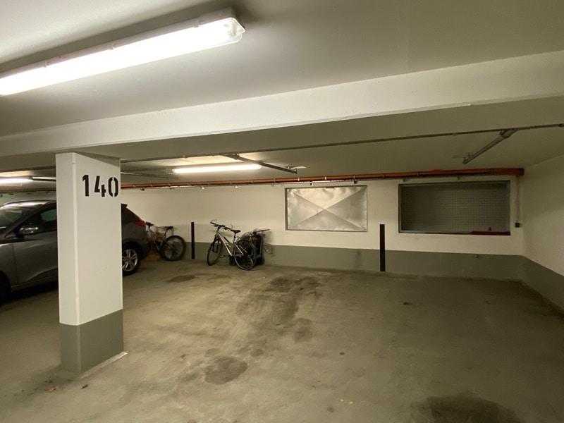 1-2 ebenerdige Tiefgaragenstellplätze in zentraler S-Bahn-Nähe von Höhenkirchen zu verkaufen - TG Platz 1