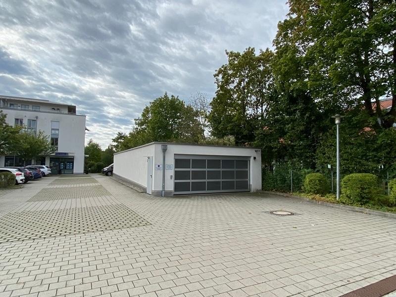 1-2 ebenerdige Tiefgaragenstellplätze in zentraler S-Bahn-Nähe von Höhenkirchen zu verkaufen - Tiefgaragengebäude
