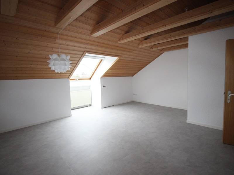 Renoviertes Reihenmittelhaus in Siegertsbrunn - Schlafzimmer DG