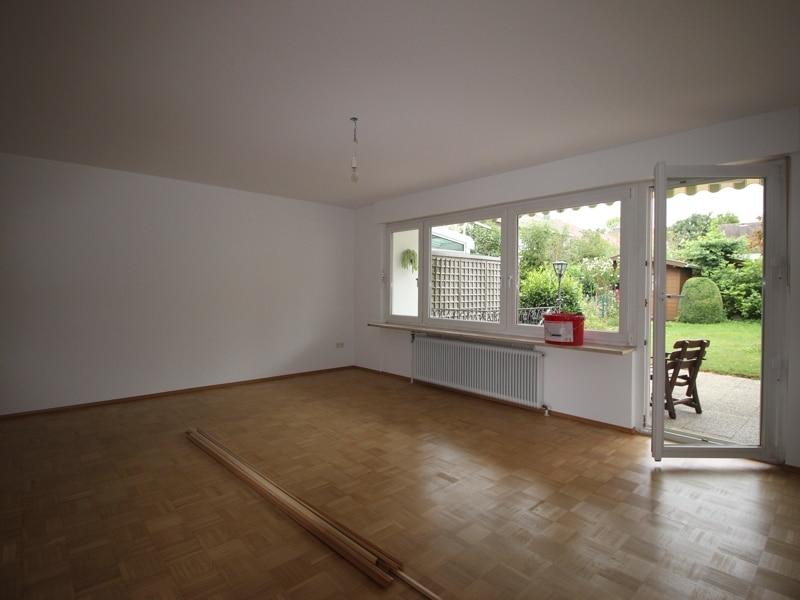 Renoviertes Reihenmittelhaus in Siegertsbrunn - Wohnzimmer
