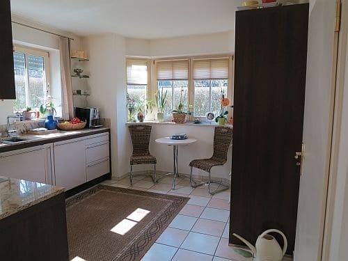 Exquisite freistehende Villa in perfekter Lage mit großem Garten in Vaterstetten - Küche
