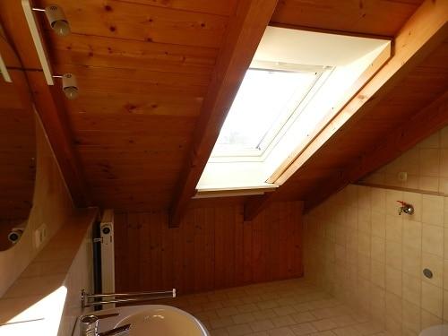 Große. helle Doppelhaushälfte mit Wintergarten in ruhiger Lage von Brunnthal / Faistenhaar - Bad im DG
