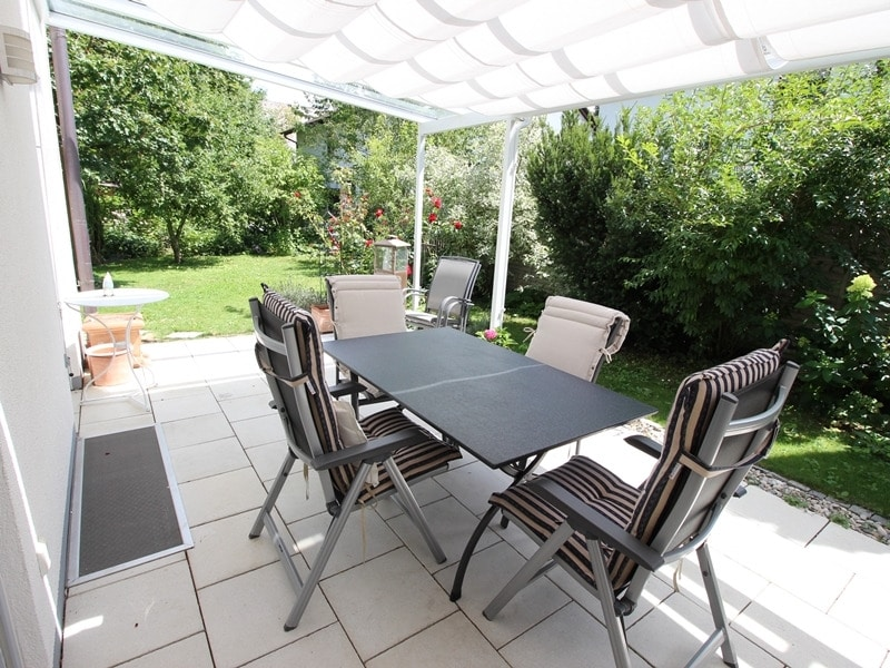 Neuwertige und außergewöhnliche Doppelhaushälfte in Ottobrunn - Terrasse