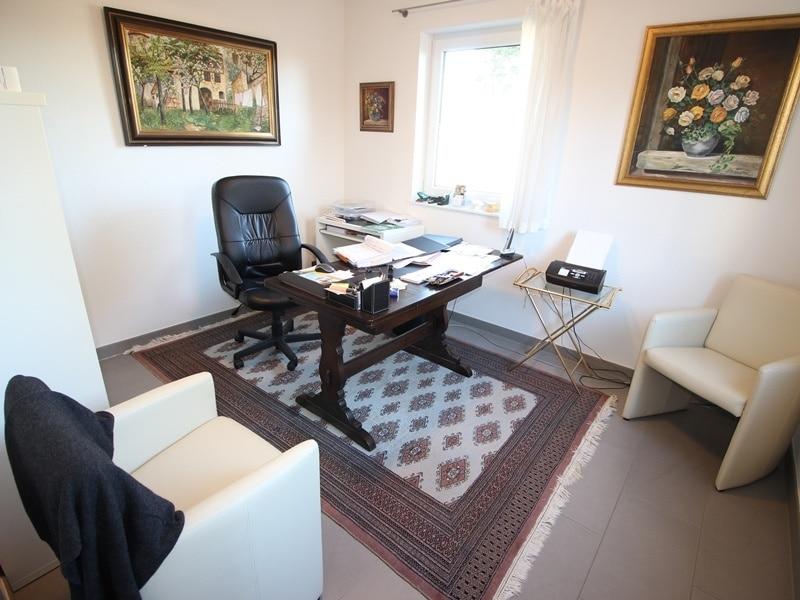 Neuwertige und außergewöhnliche Doppelhaushälfte in Ottobrunn - Arbeitszimmer