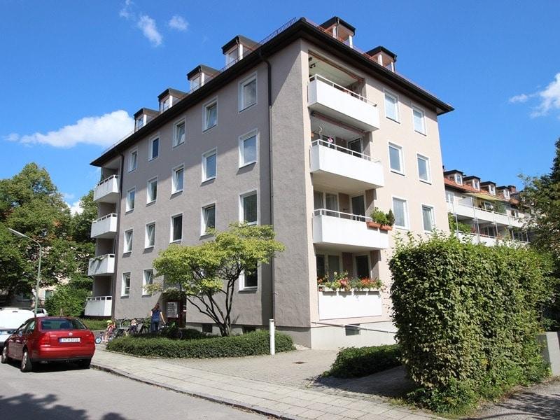 Attraktive 3,5 Zimmerwohnung mit Westbalkon in ruhiger Lage von Schwabing - Aussenansicht_2