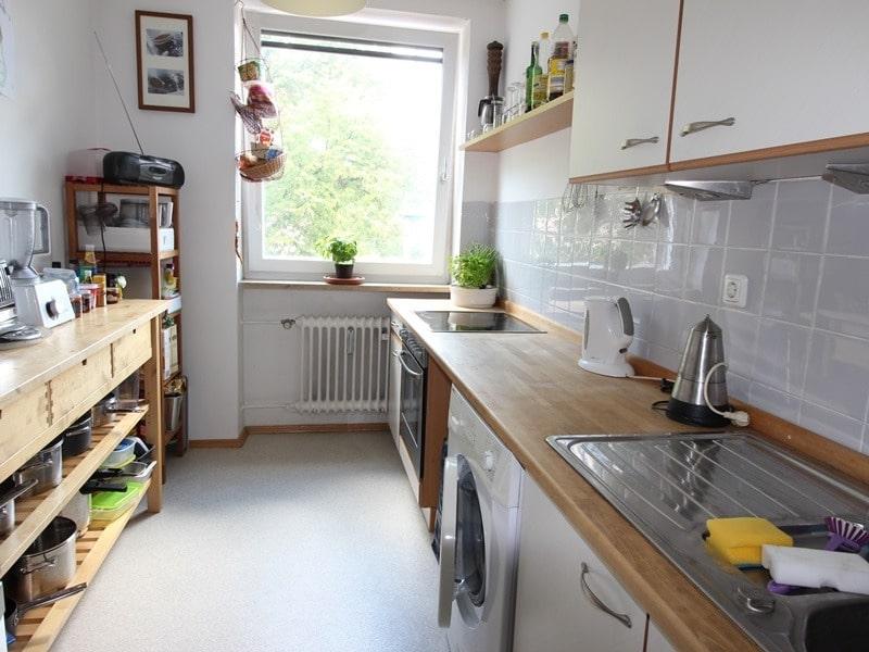 Attraktive 3,5 Zimmerwohnung mit Westbalkon in ruhiger Lage von Schwabing - Küche