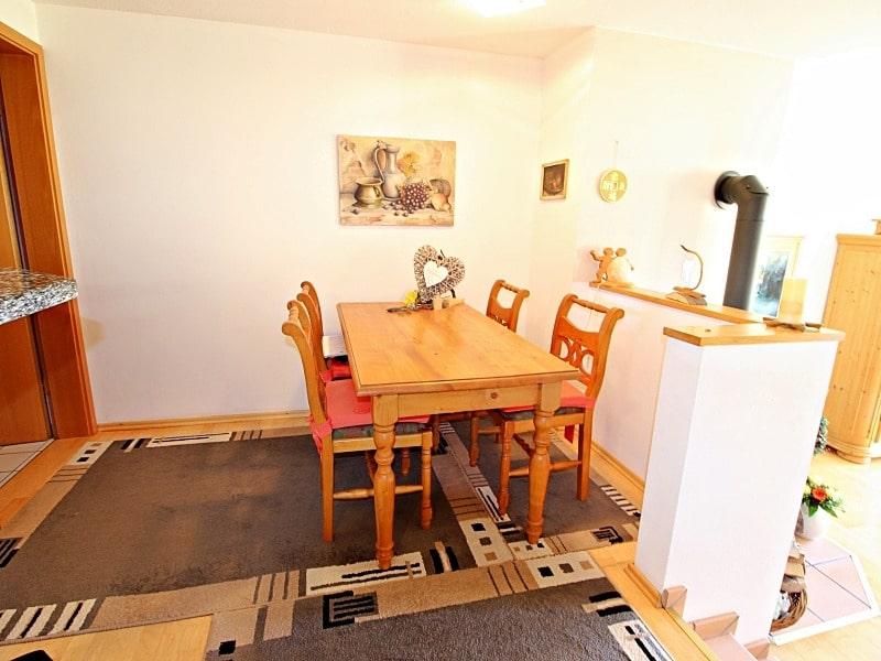 Wohnen wie in einem Haus: 3 Zimmer Gartenmaisonettewohnung mit super Ausstattung - Essbereich