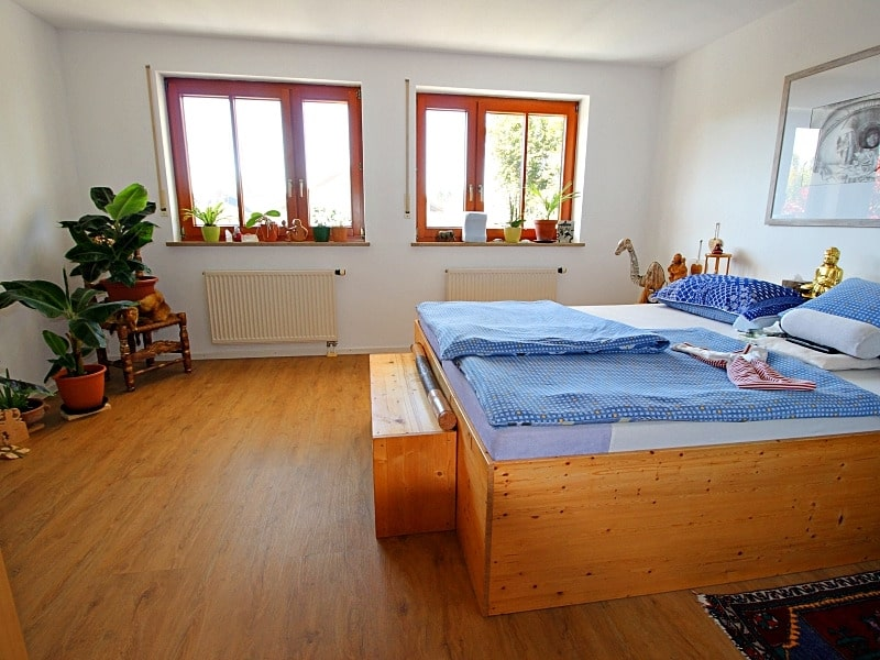 Wohnen wie in einem Haus: 3 Zimmer Gartenmaisonettewohnung mit super Ausstattung - Schlafzimmer