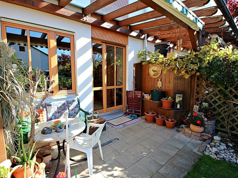 Wohnen wie in einem Haus: 3 Zimmer Gartenmaisonettewohnung mit super Ausstattung - Terrasse