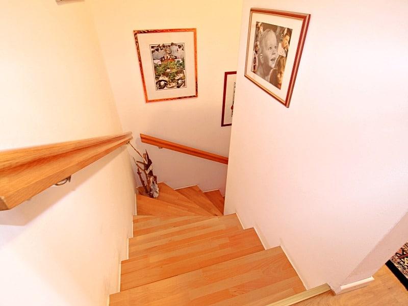 Wohnen wie in einem Haus: 3 Zimmer Gartenmaisonettewohnung mit super Ausstattung - Treppen