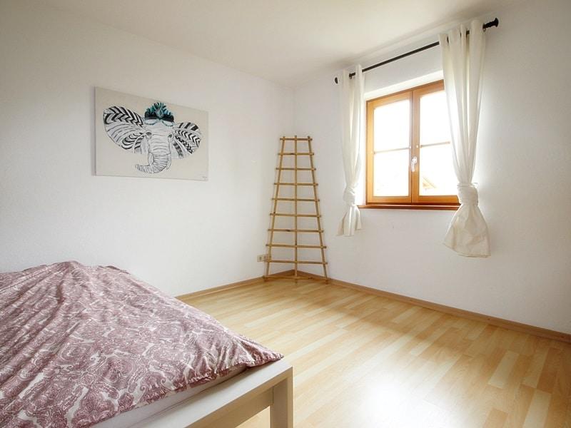 Attraktive, neuwertige DHH mit Top Ausstattung in ruhiger Lage von Höhenkirchen - Schlafzimmer