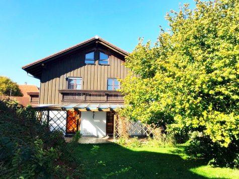 Handwerker aufgepasst: DHH mit großem Grundstück im Ortszentrum von Höhenkirchen, 85635 Höhenkirchen-Siegertsbrunn, Doppelhaushälfte