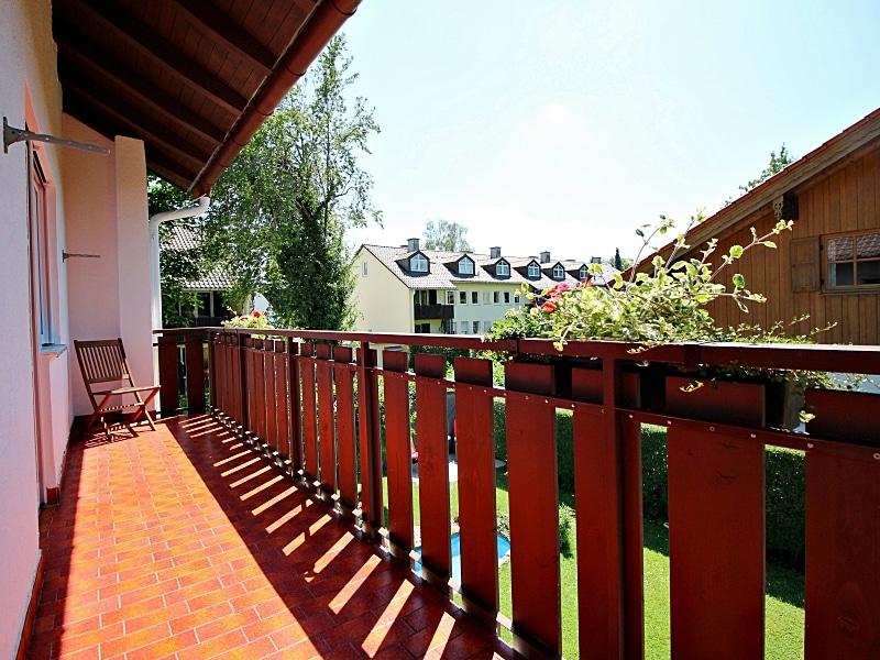 Attraktive XXL Doppelhaushälfte auf eingewachsenem Südgrundstück in ruhiger Anliegerstrasse in Höhenkirchen - Balkon