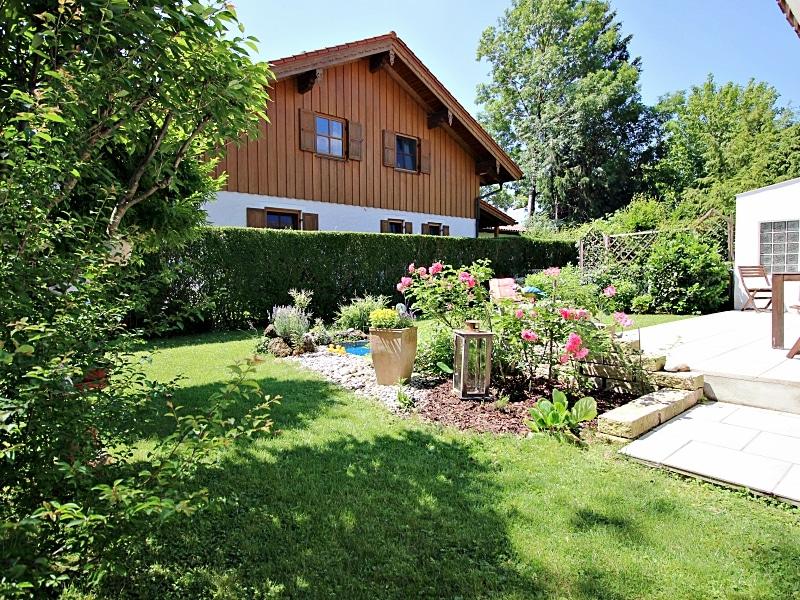 Attraktive XXL Doppelhaushälfte auf eingewachsenem Südgrundstück in ruhiger Anliegerstrasse in Höhenkirchen - Garten