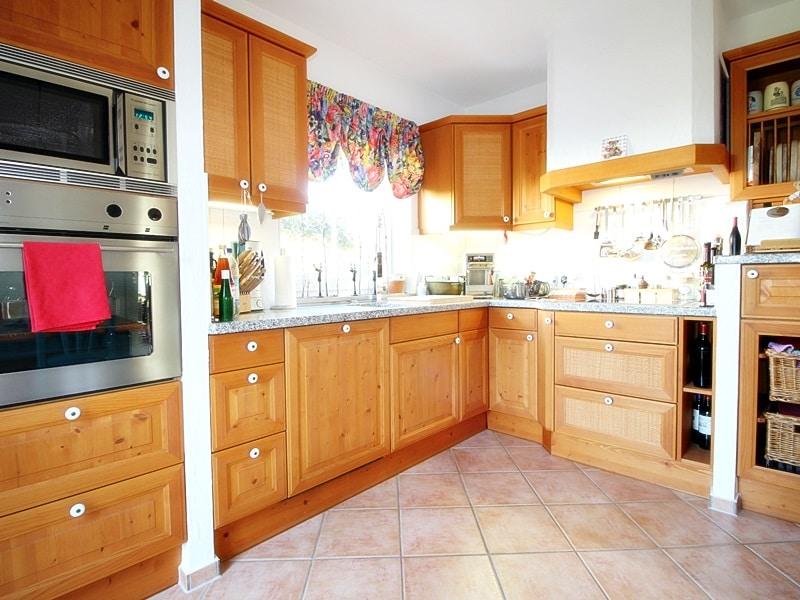 Attraktives, vermietetes Einfamilienhaus mit eingewachsenem Süd- und Westgarten in Grasbrunn - Küche