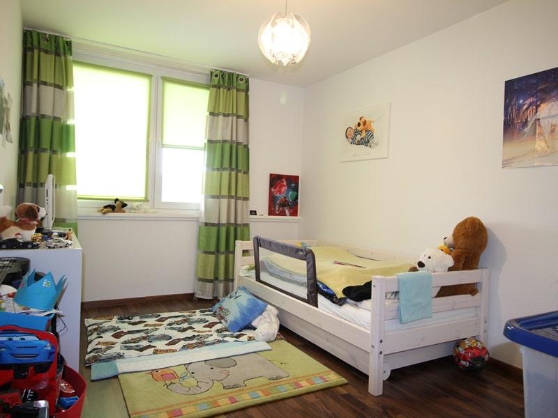 Vermietete, attraktive 3 Zimmerwohnung mit Südbalkon in ruhiger Lage von Ottobrunn - Kinderzimmer