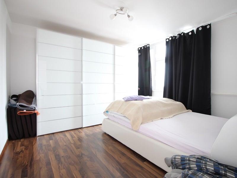 Vermietete, attraktive 3 Zimmerwohnung mit Südbalkon in ruhiger Lage von Ottobrunn - Schlafzimmer
