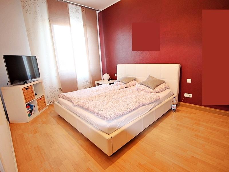 Große 2,5 ZKB direkt am Tegernseer Platz in Giesing - Schlafzimmer