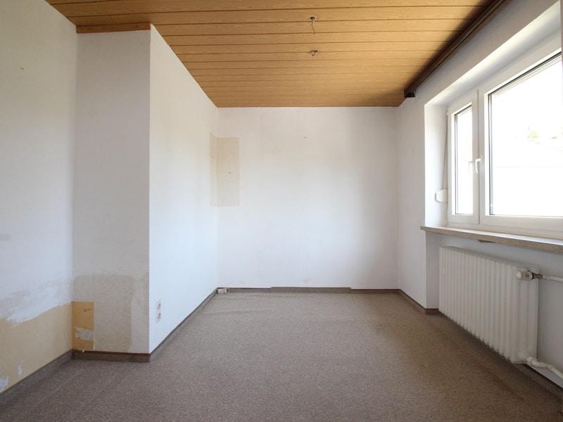 Renovierungsbedürftige DHH auf großem Erbbaurechtsgrundstück in ruhiger Lage von Riemerling - Kinderzimmer 2