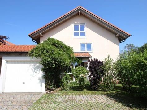 Großzügige, attraktive DHH in ruhiger Ortsrandlage von Siegertsbrunn, 85635 Höhenkirchen-Siegertsbrunn / Siegertsbrunn, Doppelhaushälfte