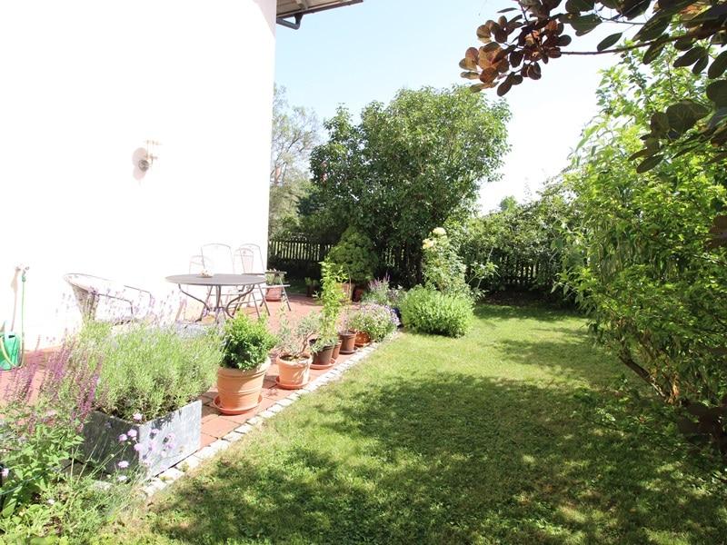 Großzügige, attraktive DHH in ruhiger Ortsrandlage von Siegertsbrunn - Garten_