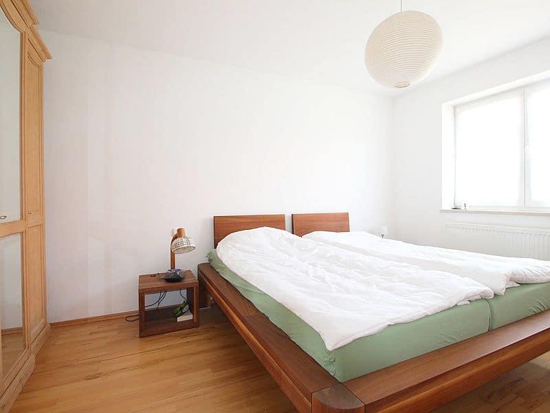 Großzügige, attraktive DHH in ruhiger Ortsrandlage von Siegertsbrunn - Schlafzimmer