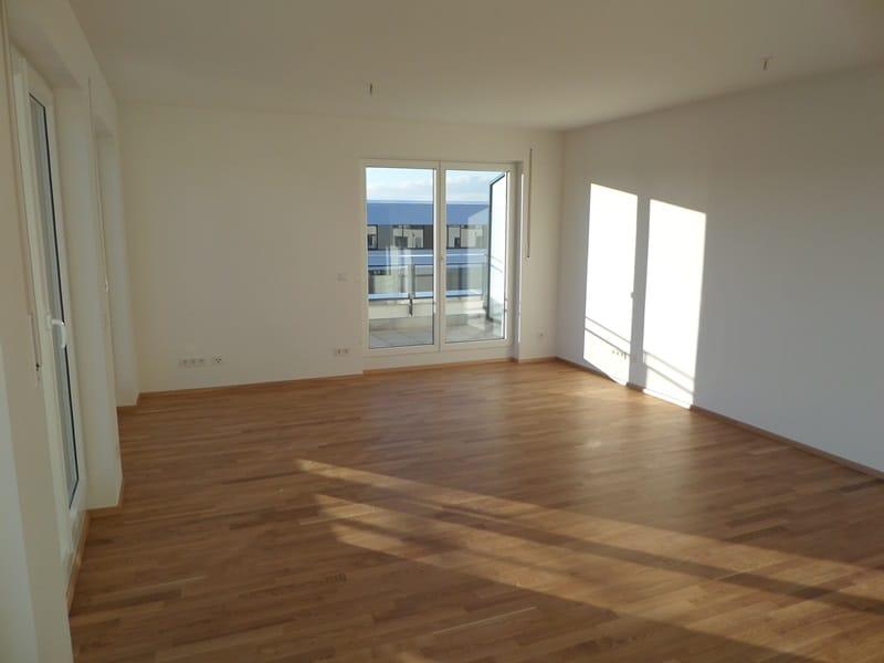 Perfekte 3 Zimmer-Dachterrassenwohnung in Höhenkirchen-Siegertsbrunn - Schlafzimmer