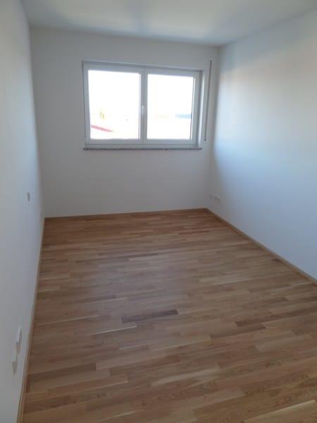 Perfekte 3 Zimmer-Dachterrassenwohnung in Höhenkirchen-Siegertsbrunn - Kinderzimmer