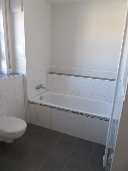 Perfekte 3 Zimmer-Dachterrassenwohnung in Höhenkirchen-Siegertsbrunn - Badezimmer