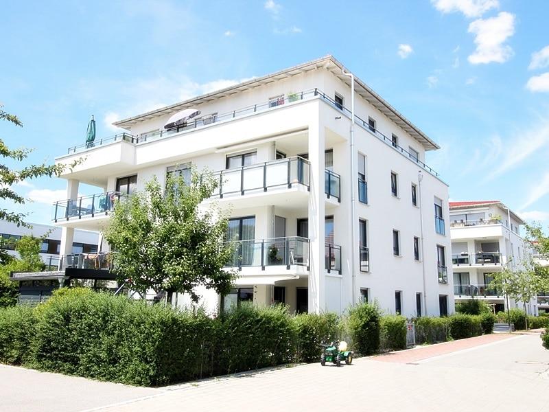 Perfekte 3 Zimmer-Dachterrassenwohnung in Höhenkirchen-Siegertsbrunn - Außenansicht