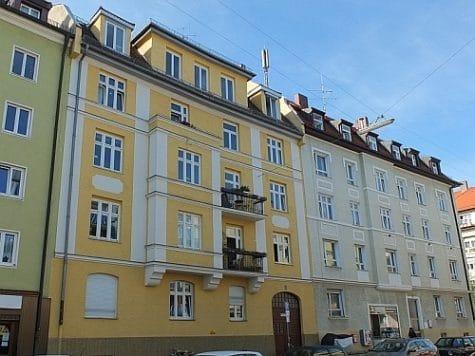 Große, vollständig sanierte 3 Zimmer Altbauwohnung in direkter Nähe am Rotkreuzplatz / Neuhausen, 80639 München / Neuhausen, Etagenwohnung