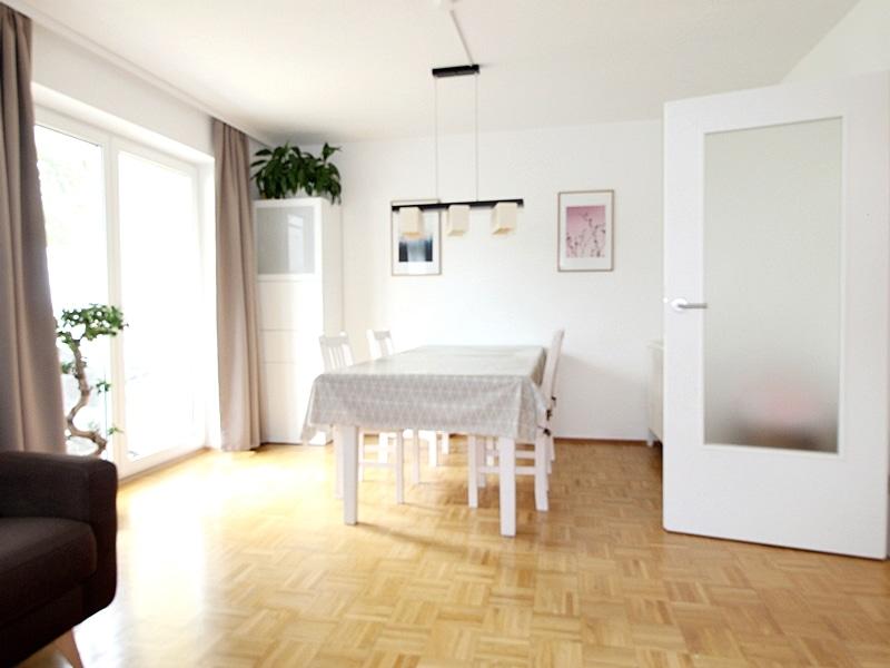 2,5 ZKB Maisonettewohnung mit großem Südwestgarten in ruhiger Lage von Brunnthal - Essbereich