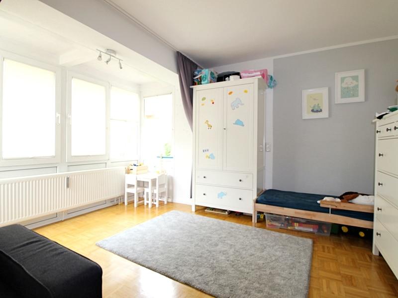 2,5 ZKB Maisonettewohnung mit großem Südwestgarten in ruhiger Lage von Brunnthal - Schlafzimmer