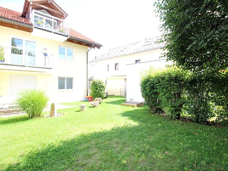 2,5 ZKB Maisonettewohnung mit großem Südwestgarten in ruhiger Lage von Brunnthal - Südgarten