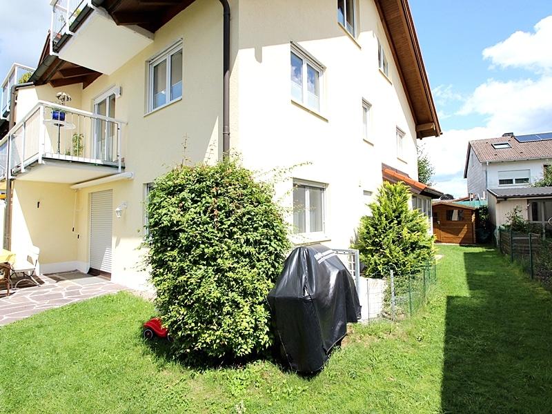 2,5 ZKB Maisonettewohnung mit großem Südwestgarten in ruhiger Lage von Brunnthal - Umlaufender Garten