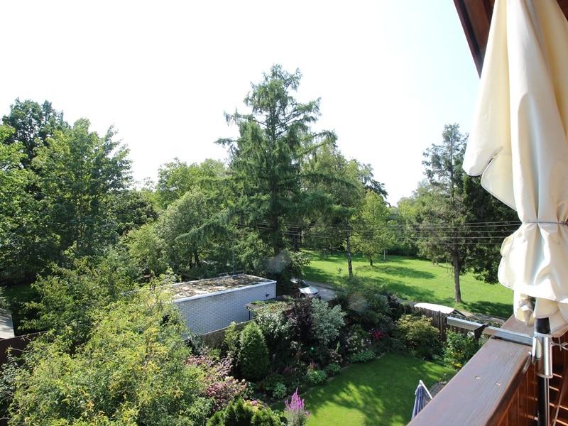 Sofort einziehen! Attraktive, sehr gepflegte DHH in ruhiger, zentrumsnaher Lage von Ottobrunn - Ausblick Balkon DG