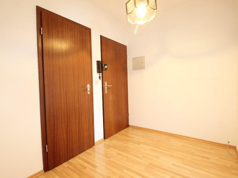 Ruhige, helle 2,5 Zimmerwohnung mit Südwest-Balkon in zentraler Lage von München / Ramersdorf - Eingangsbereich