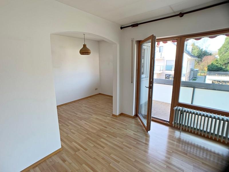 Ruhige, helle 2,5 Zimmerwohnung mit Südwest-Balkon in zentraler Lage von München / Ramersdorf - Blick zum Essbereich