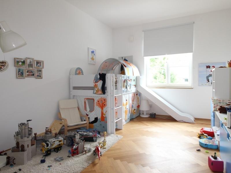 Großes neuwertiges Reihenhaus mit Südgarten auf Gut Möschenfeld / Grasbrunn - Kinderzimmer (2)