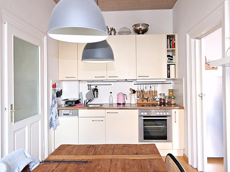 Modernisierte 3 Zimmer Wohnung direkt am Tegernseer Platz in Obergiesing - Küche