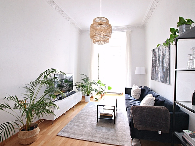 Modernisierte 3 Zimmer Wohnung direkt am Tegernseer Platz in Obergiesing - Wohnzimmer