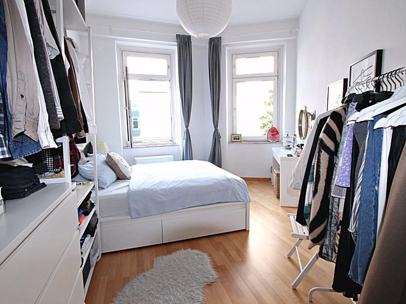 Modernisierte 3 Zimmer Wohnung direkt am Tegernseer Platz in Obergiesing - Schlafzimmer