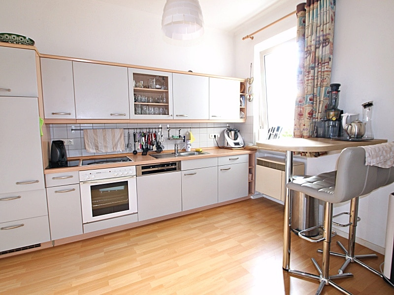 2 Zimmer XXL Wohnung direkt am Tegernseer Platz in Obergiesing zum 01.11.2020 - Wohn-Essküche