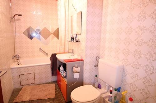 Helle 2 Zimmer Wohnung mit sehr gutem Grundriss und Südwestloggia in Ottobrunn - Badezimmer