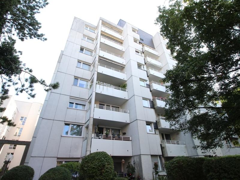 Helle 2 Zimmer Wohnung mit sehr gutem Grundriss und Südwestloggia in Ottobrunn - Außenansicht