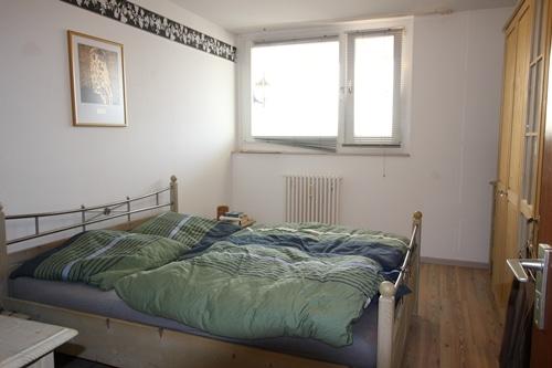Helle 2 Zimmer Wohnung mit sehr gutem Grundriss und Südwestloggia in Ottobrunn - Schlafzimmer