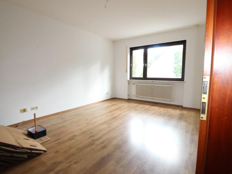 Großzügige 2 Zimmerwohnung mit kleinem Garten in Laim - Schlafzimmer