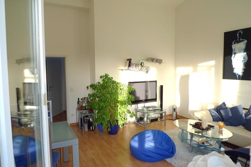 Gemütliche 3 Zimmer Dachgeschosswohnung in Neubiberg - Wohnzimmer