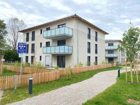 Erstbezug – Attraktive 3 ZKB Gartenwohnung mit 2 Bädern und EBK in Höhenkirchen, 85635 Höhenkirchen, Erdgeschosswohnung