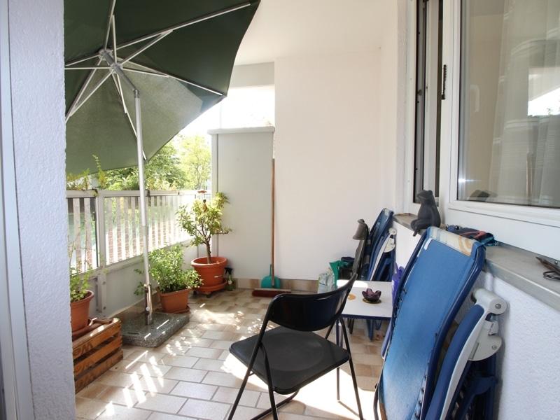 Helle, gepflegte 3 ZKB Wohnung mit Westbalkon in Ottobrunn - Balkon